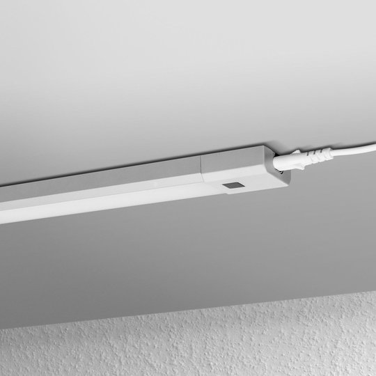 LEDVANCE Linear Slim RGBW -kaapinalusvalaisin 50cm