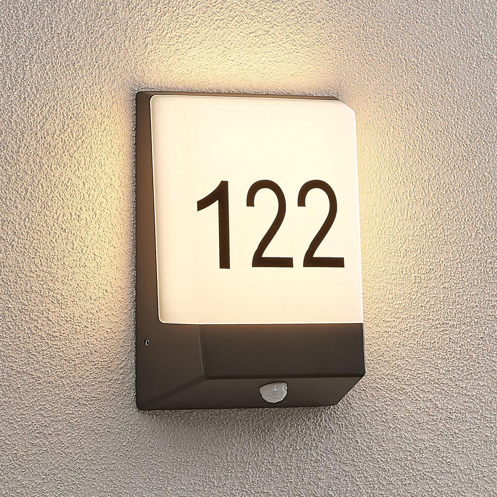 Lucande Kosman LED-husnummerlampe, sensor