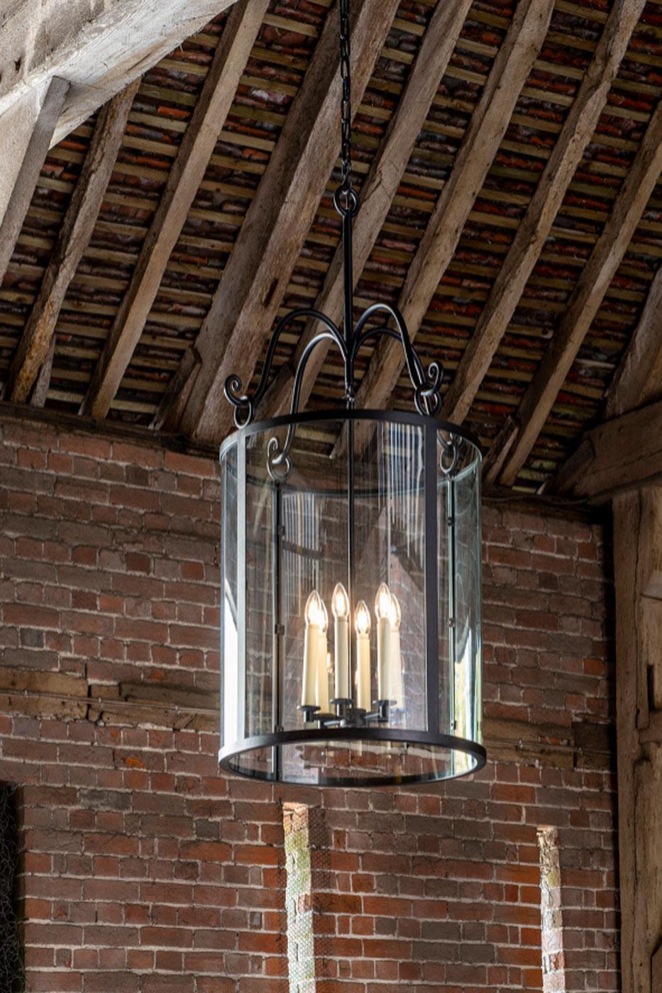 Taklampa Holbury Hall Lantern Svart