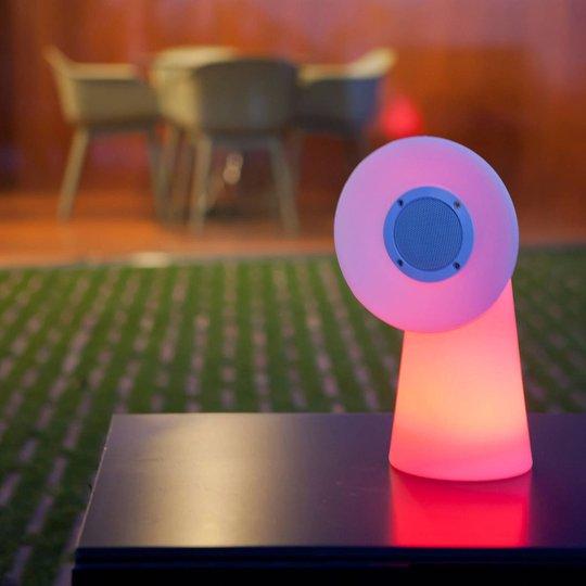 Newgarden Pipa LED-bordlampe med høyttaler