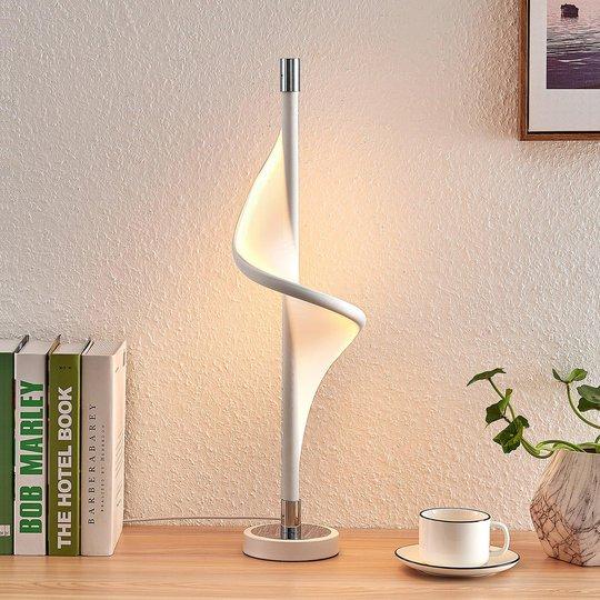 Lucande Edano LED-bordlampe i vridd form
