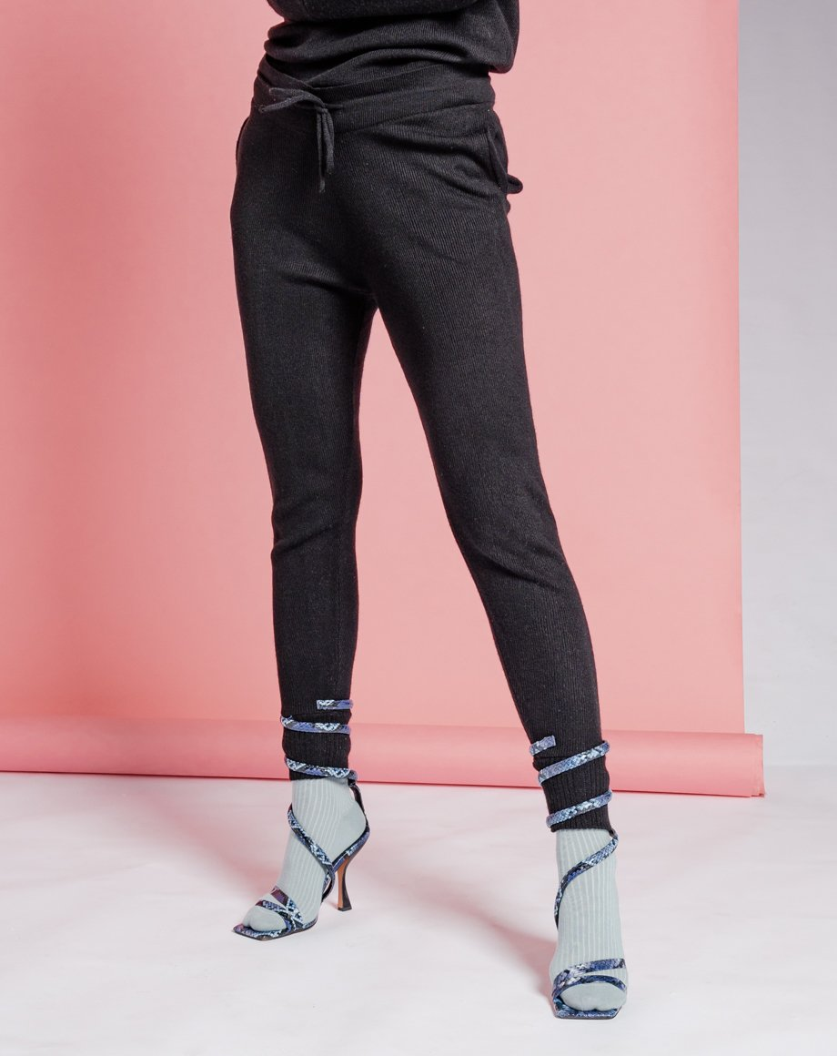 Auriel Knitted Lounge Bottoms - Black / 8