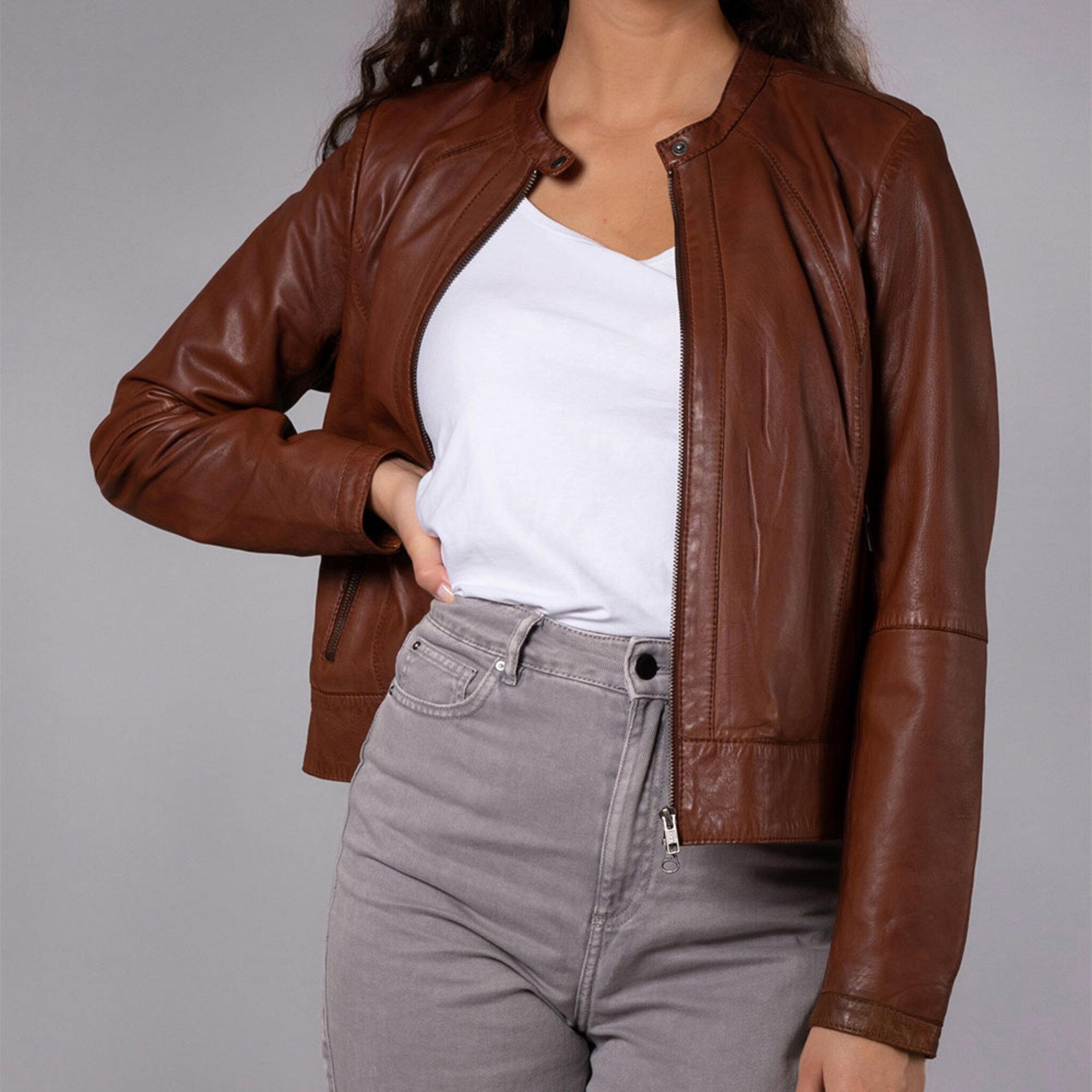Jacka Diora Classic Leather