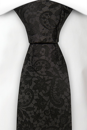 Silke Slips, Ensfarget sort med broderte blomster ton-i-ton, Notch VIGSEL BLACK