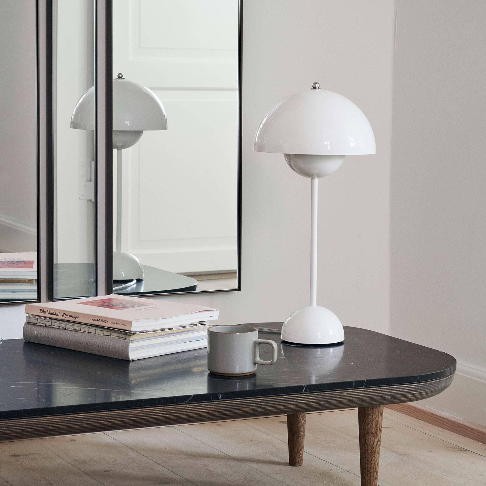 &Tradition Flowerpot VP3 pöytälamppu, valkoinen