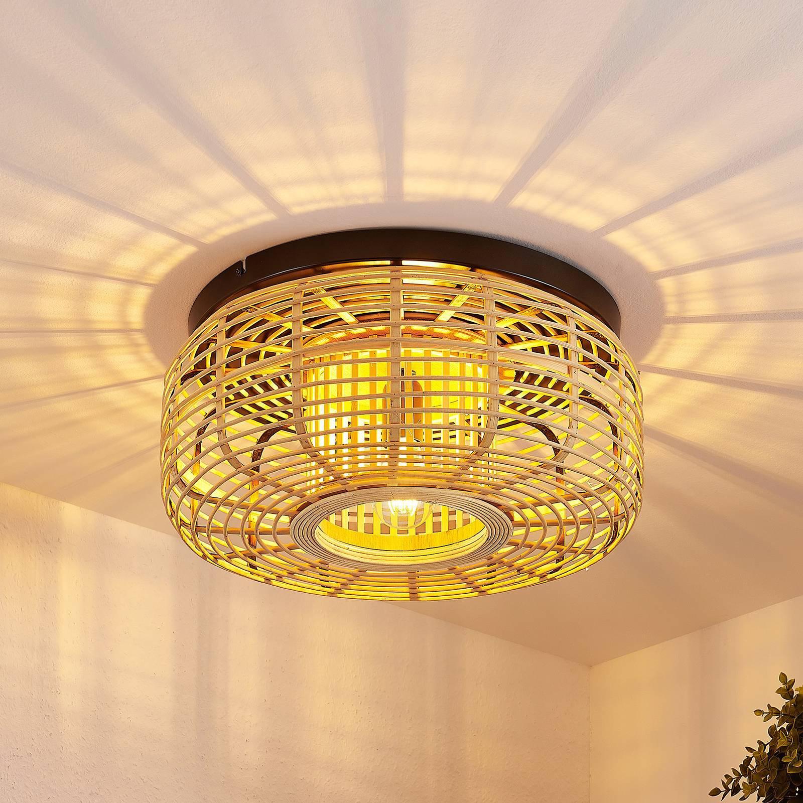 Lindby Ollena taklampe med rattanskjerm