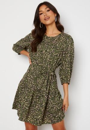 ONLY Thora 3/4 Belt Dress Four Leaf Clover S
