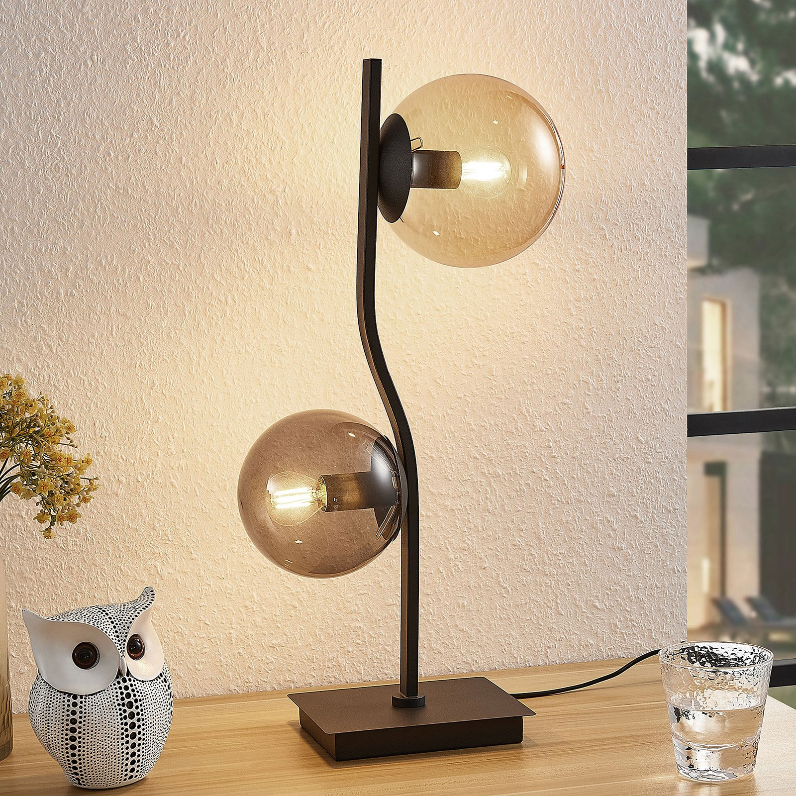 Lindby Avalyn bordlampe, mangefarget, svart