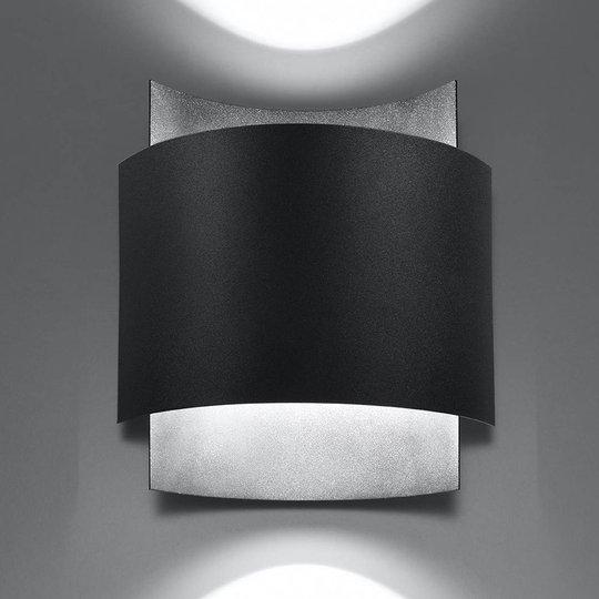 Pako vegglampe av to stålplater i svart
