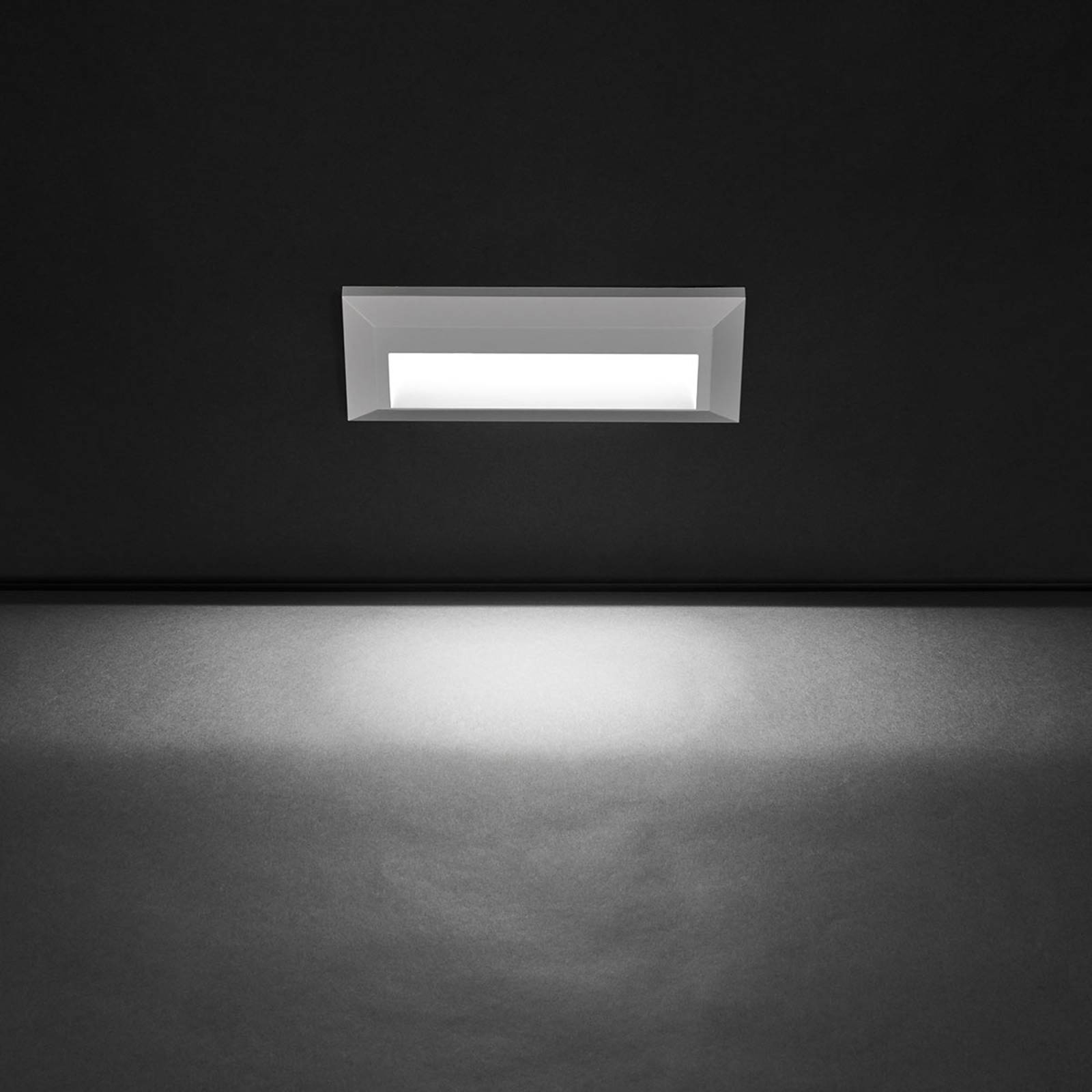Laajasti valaiseva LED-ulkoseinälamppu Kössel