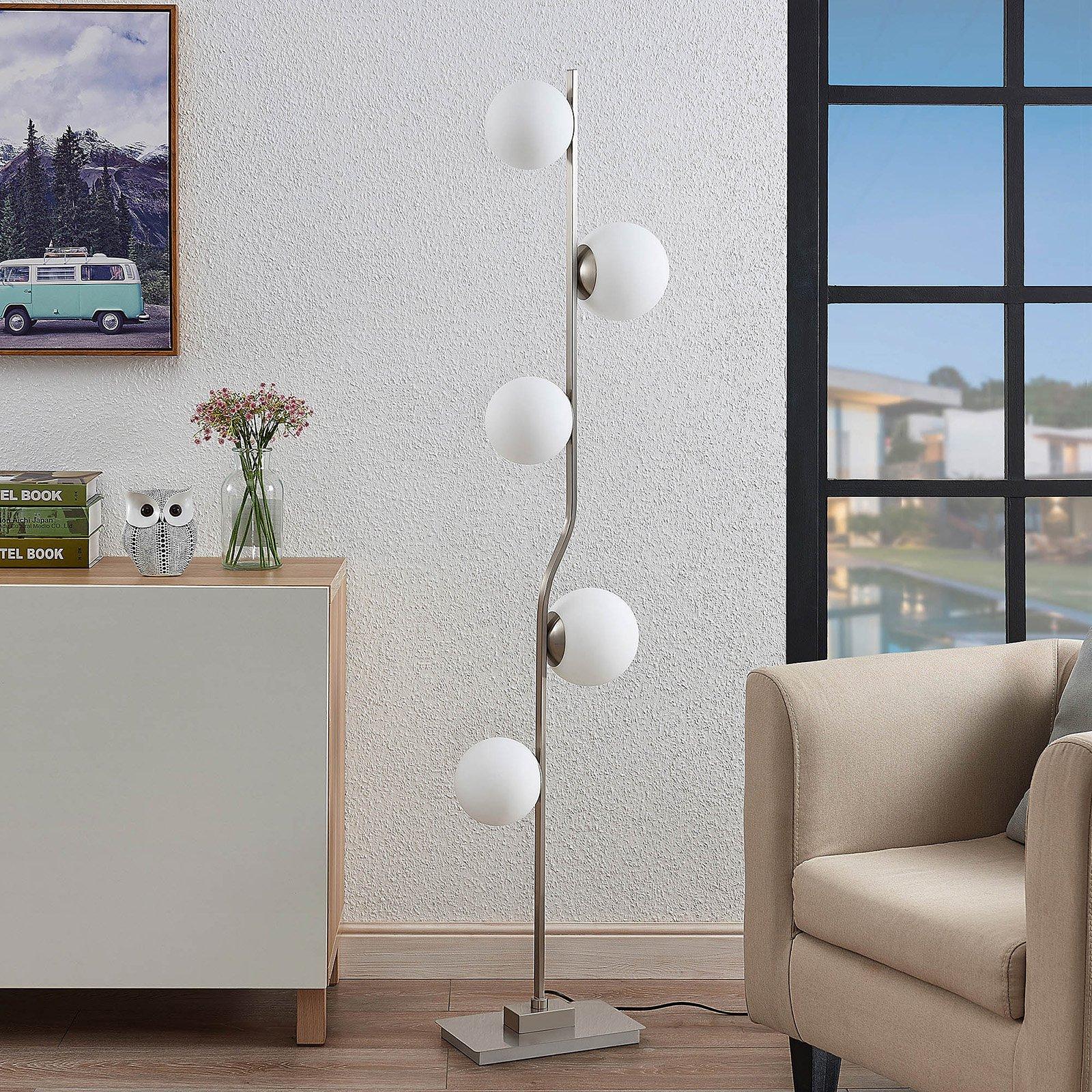 Lindby Avalyn gulvlampe, hvit, nikkelbelagt
