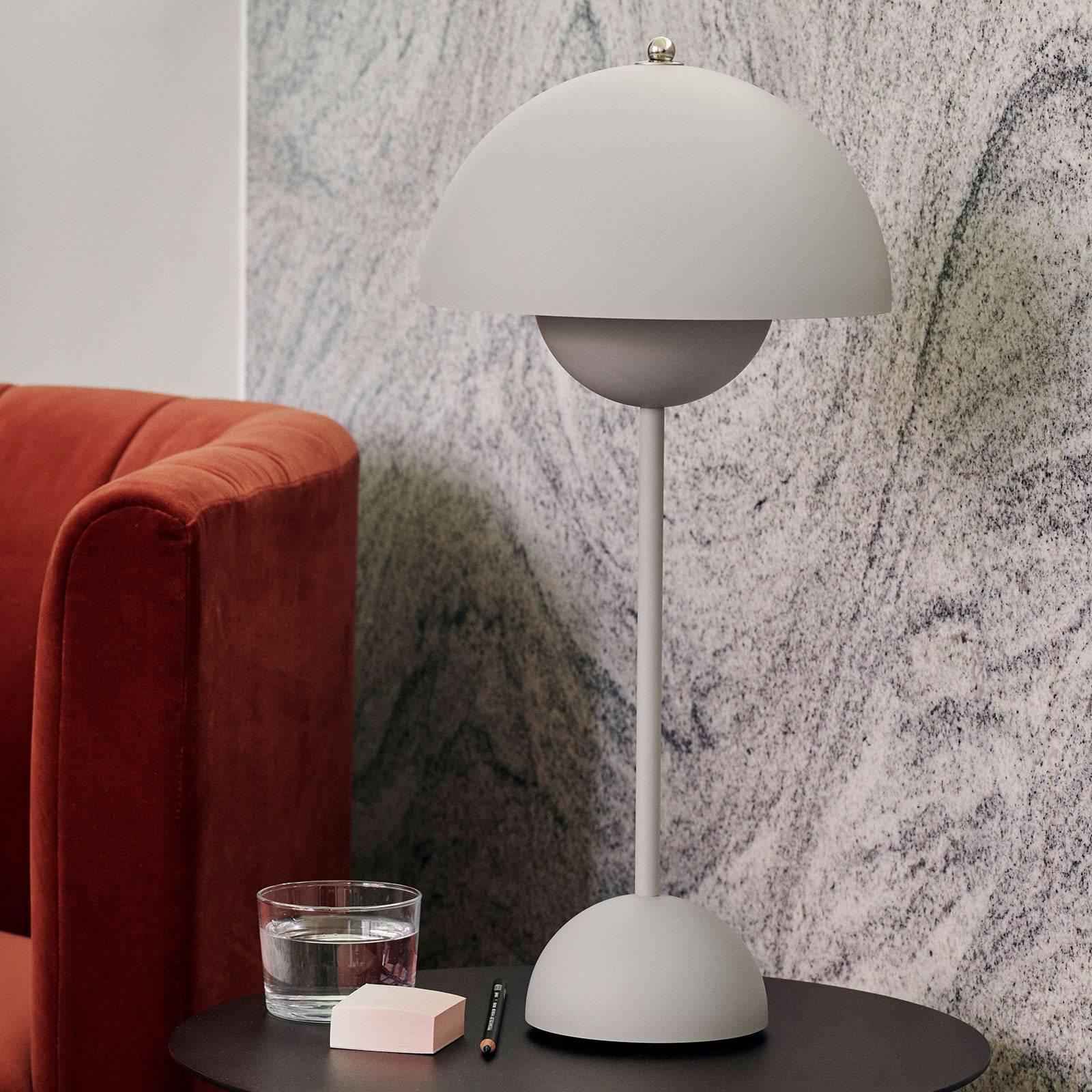 &Tradition Flowerpot VP3 pöytälamppu harmaa