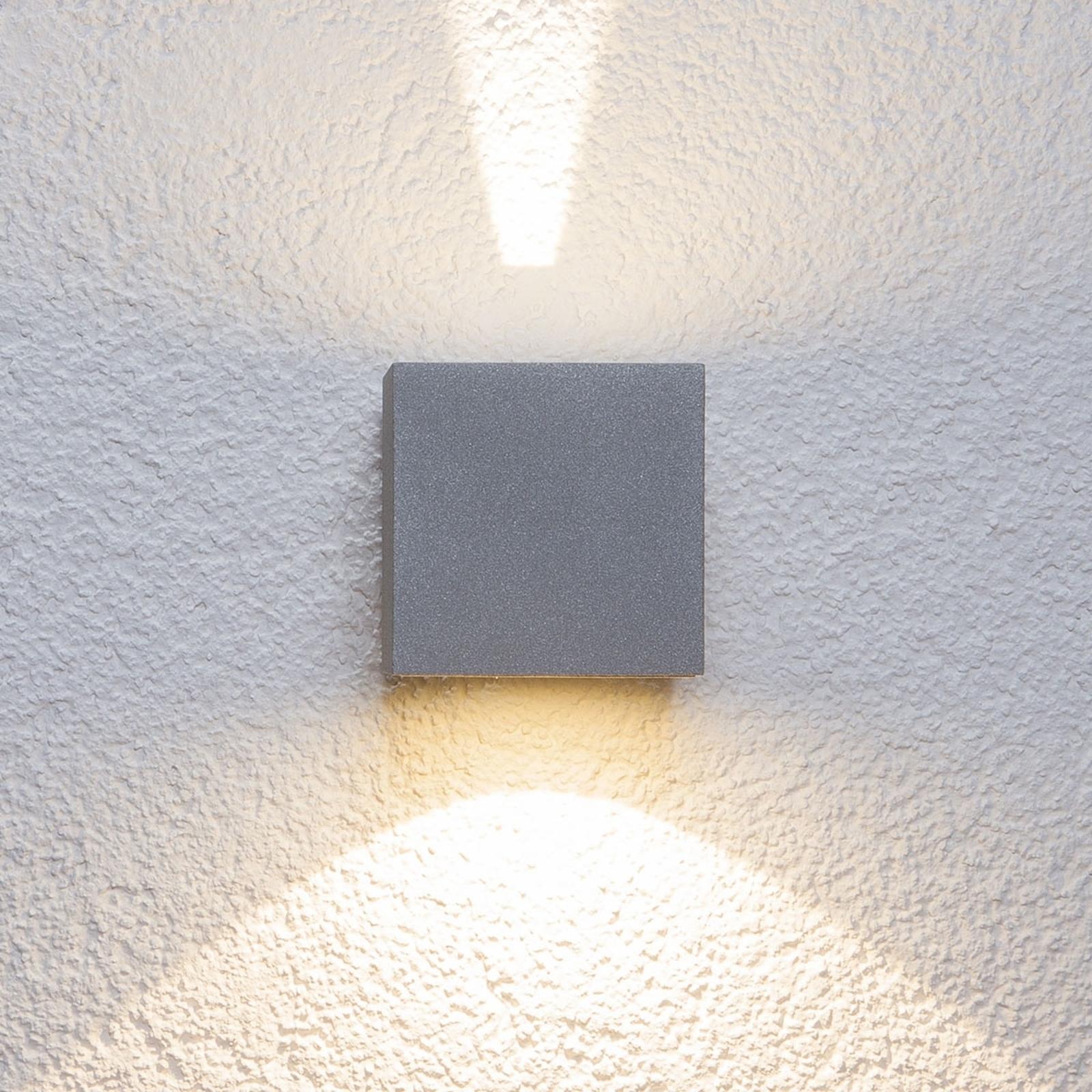 Hopeinen Jarno-LED-ulkoseinävalaisin, kuutio