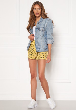 ONLY Nova Lux Shorts Misted Yellow AOP 34