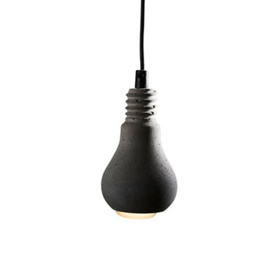 Edison betong svart sladd, Tove Adman