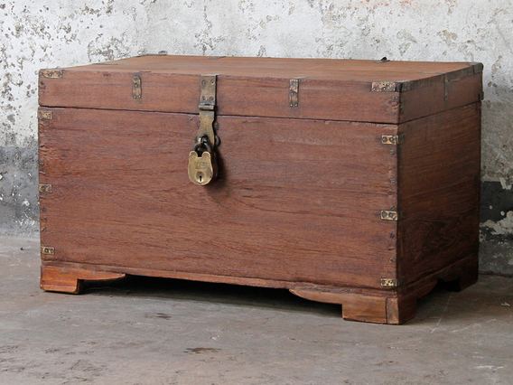 Old Storage Chest Large