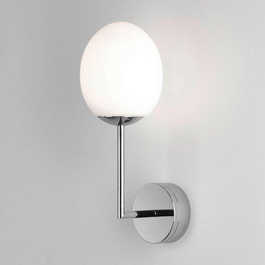 Astro Kiwi - kylpyhuoneen LED-seinävalo kromia