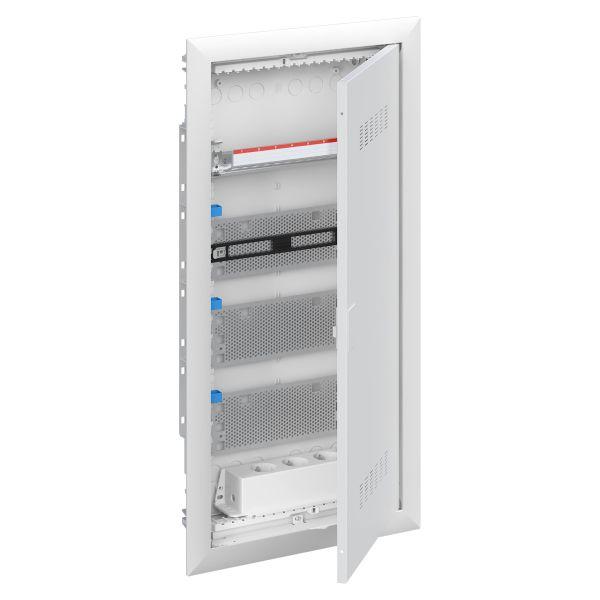 ABB UK600 2CPX031385R9999 Vakiokeskuskotelo upotettu, patch, ilmastoitu ovi 4-rivinen