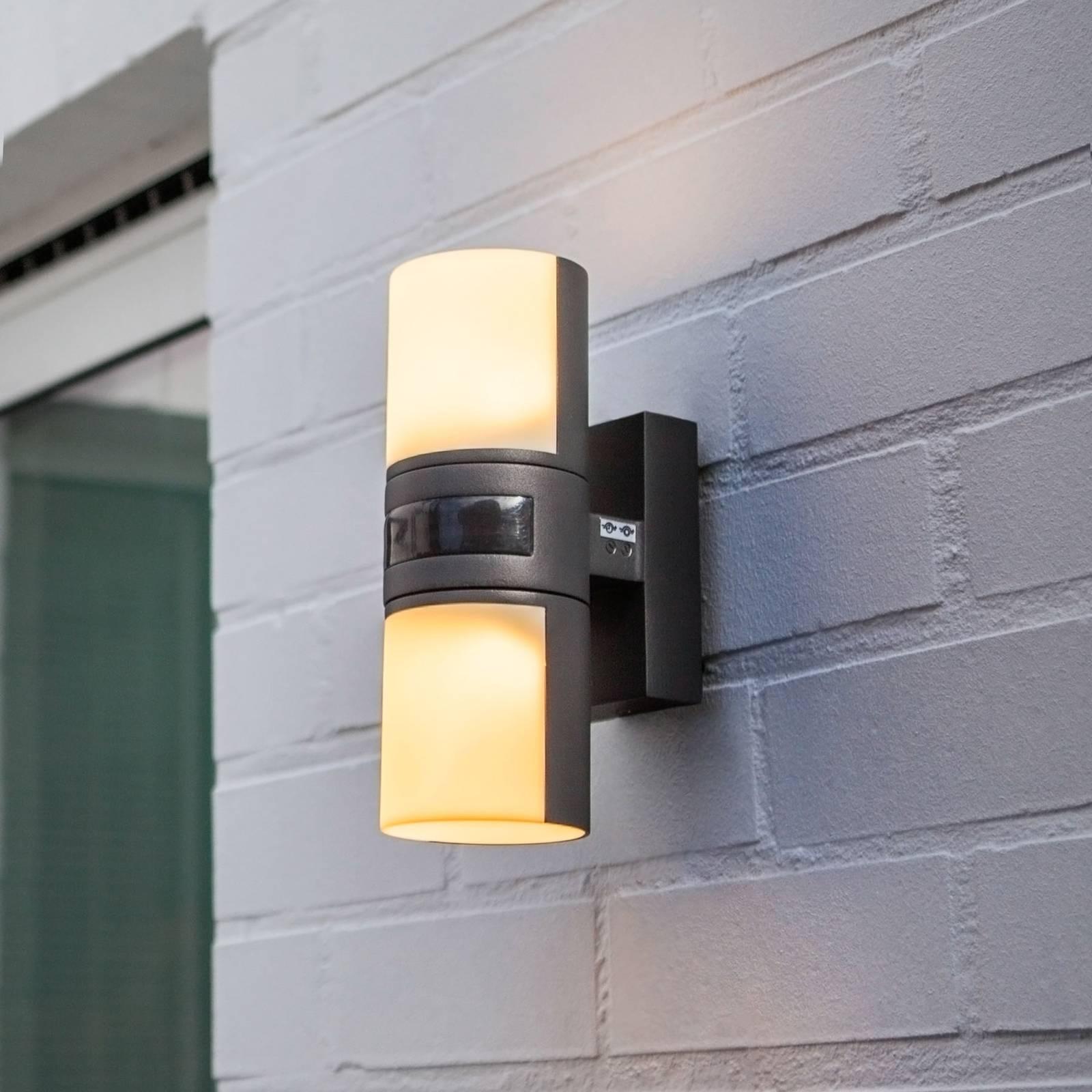 Cyra-LED-ulkoseinävalaisin, 2-lamppuinen, anturi