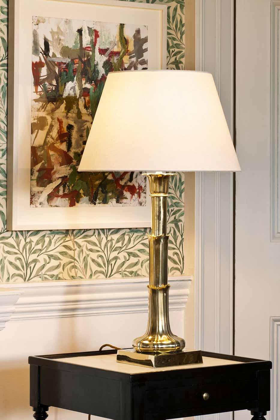Lampfot Lotus Leaf Column mässing