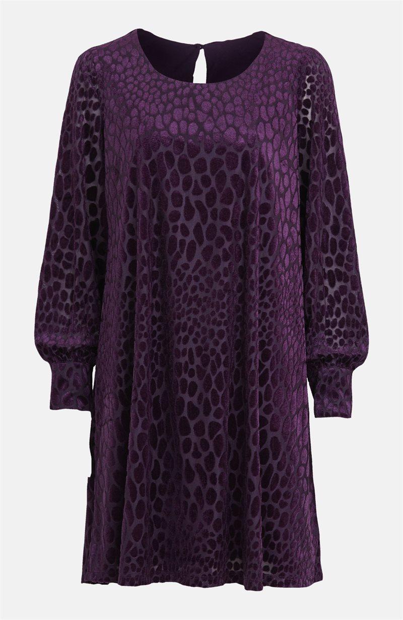 Kohokuvioitu mekko