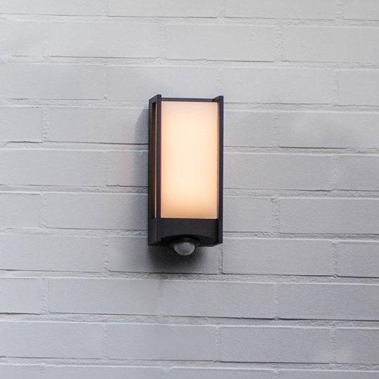 Utendørs LED-vegglampe Qubo bevegelsessensor