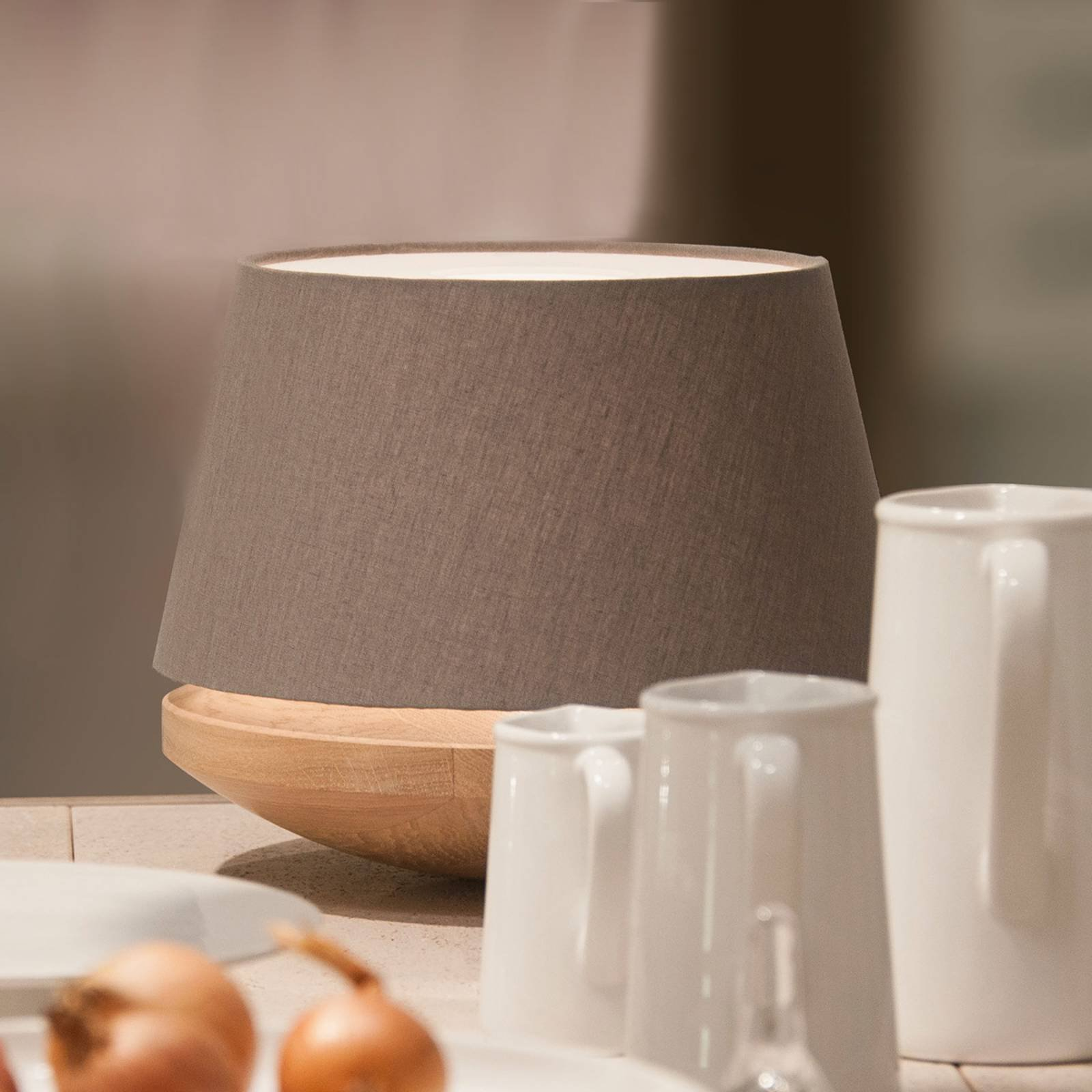 Eiketre og lin - bordlampe Kjell, jern