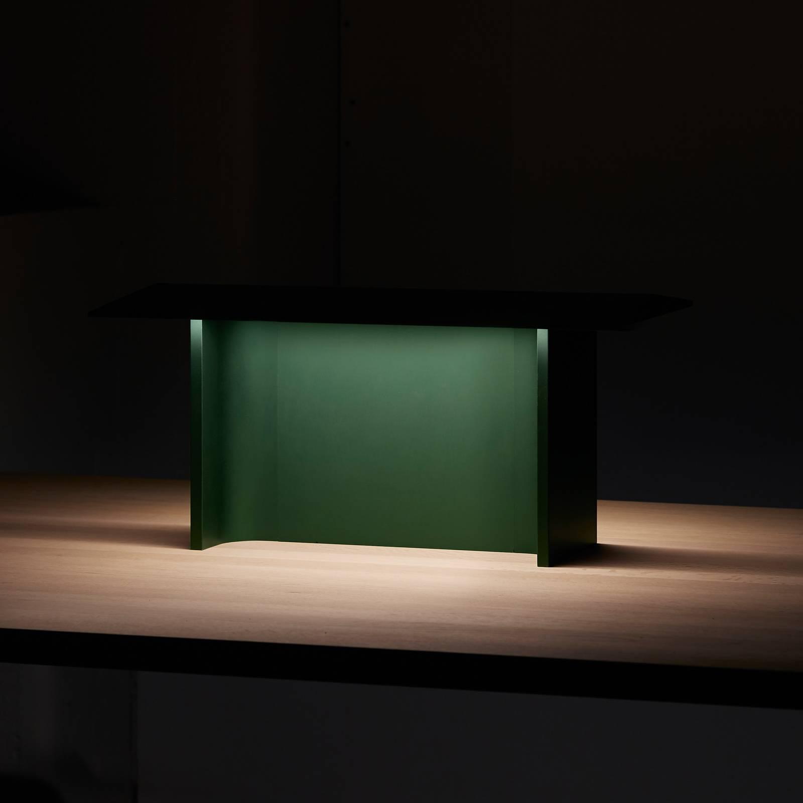 Luceplan Fienile -LED-pöytälamppu, metsänvihreä
