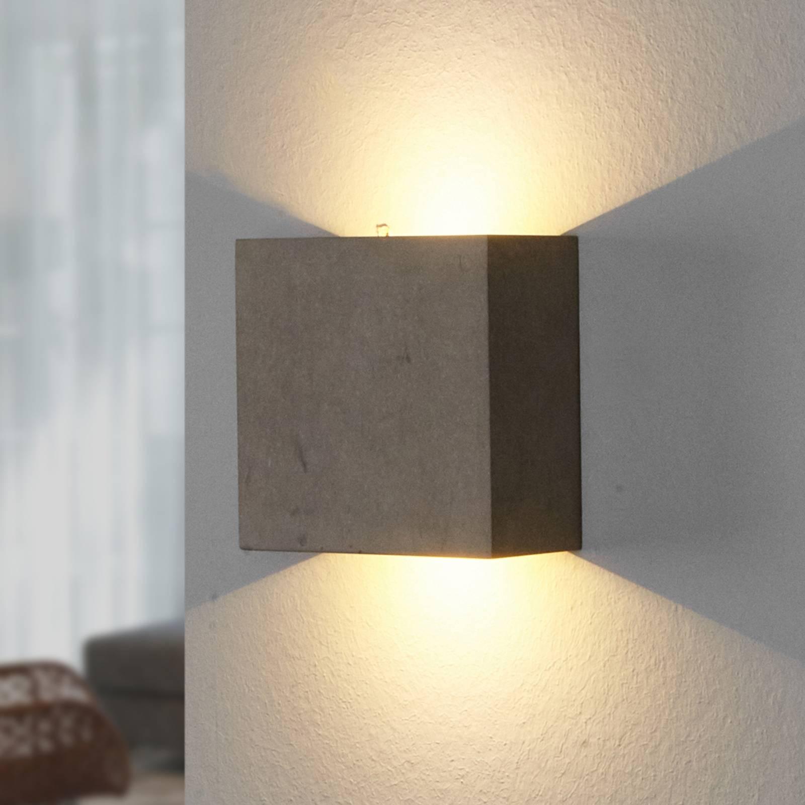 Yva - LED-seinävalaisin betonista