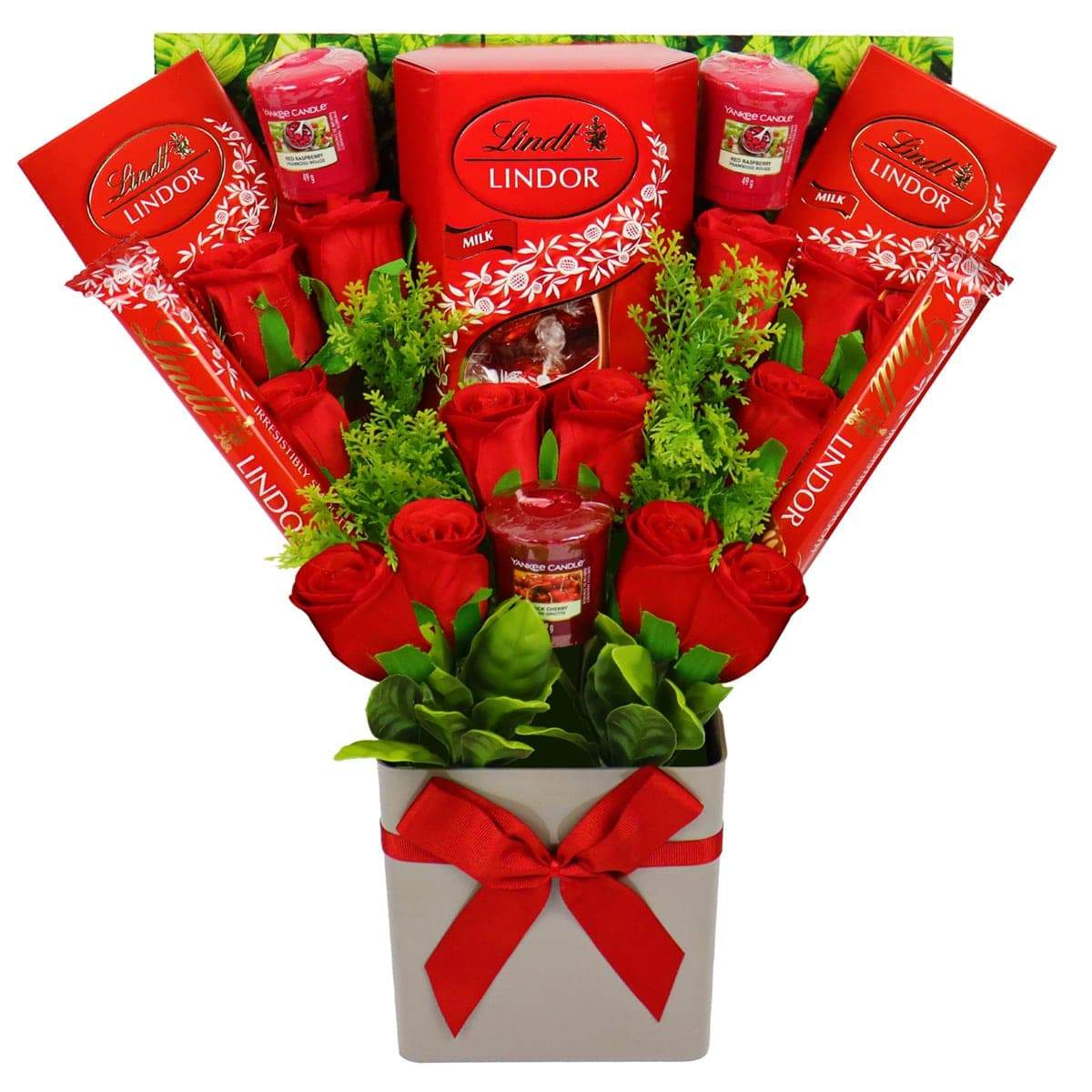 The Yankee Candle and Red Rose Bouquet