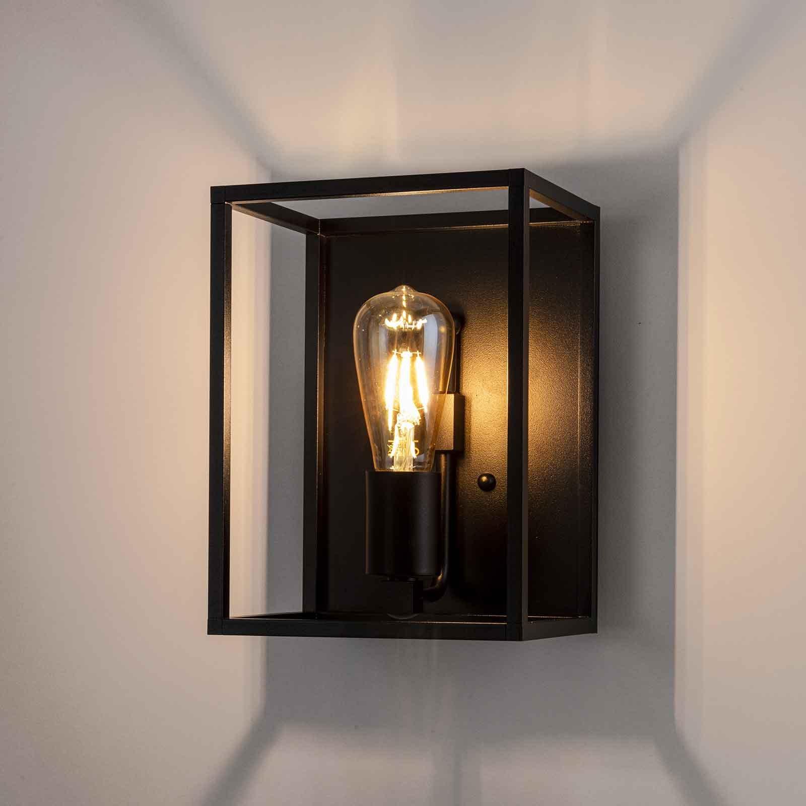 Cubic³ 3382 vegglampe svart, bredde 20 cm