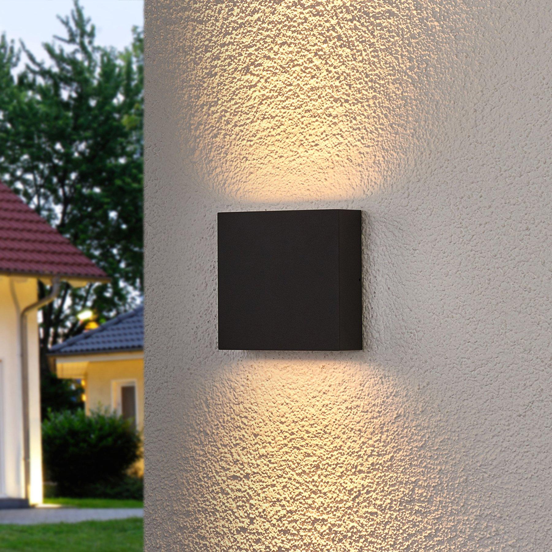 Koksgrå, kantet LED-utevegglampe Trixy