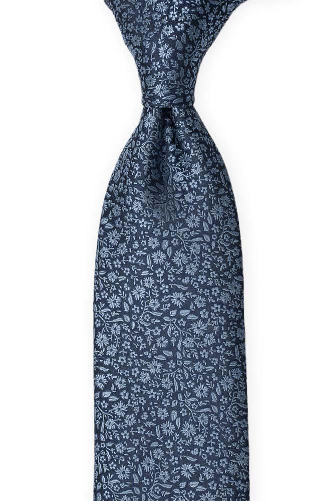Silke Slips, Mørkeste marineblått med lyseblått blomstermønster
