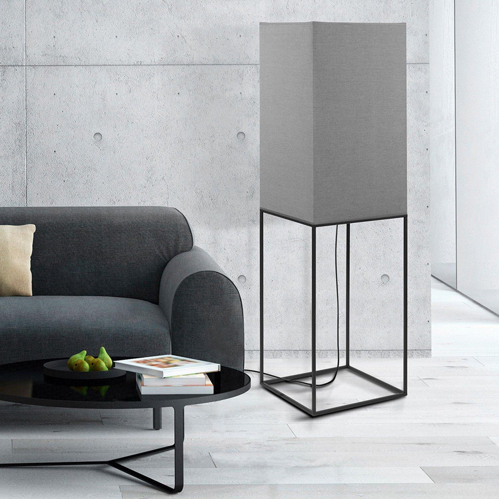 Gulvlampe Flam - kantet design med grå skjerm