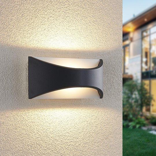 Lindby Mathea -LED-ulkoseinälamppu, pituus 22 cm