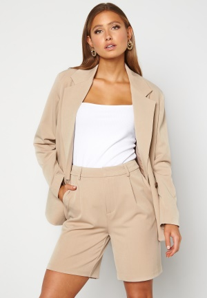 ONLY Ivy Tailored Long Shorts Silver Lining M