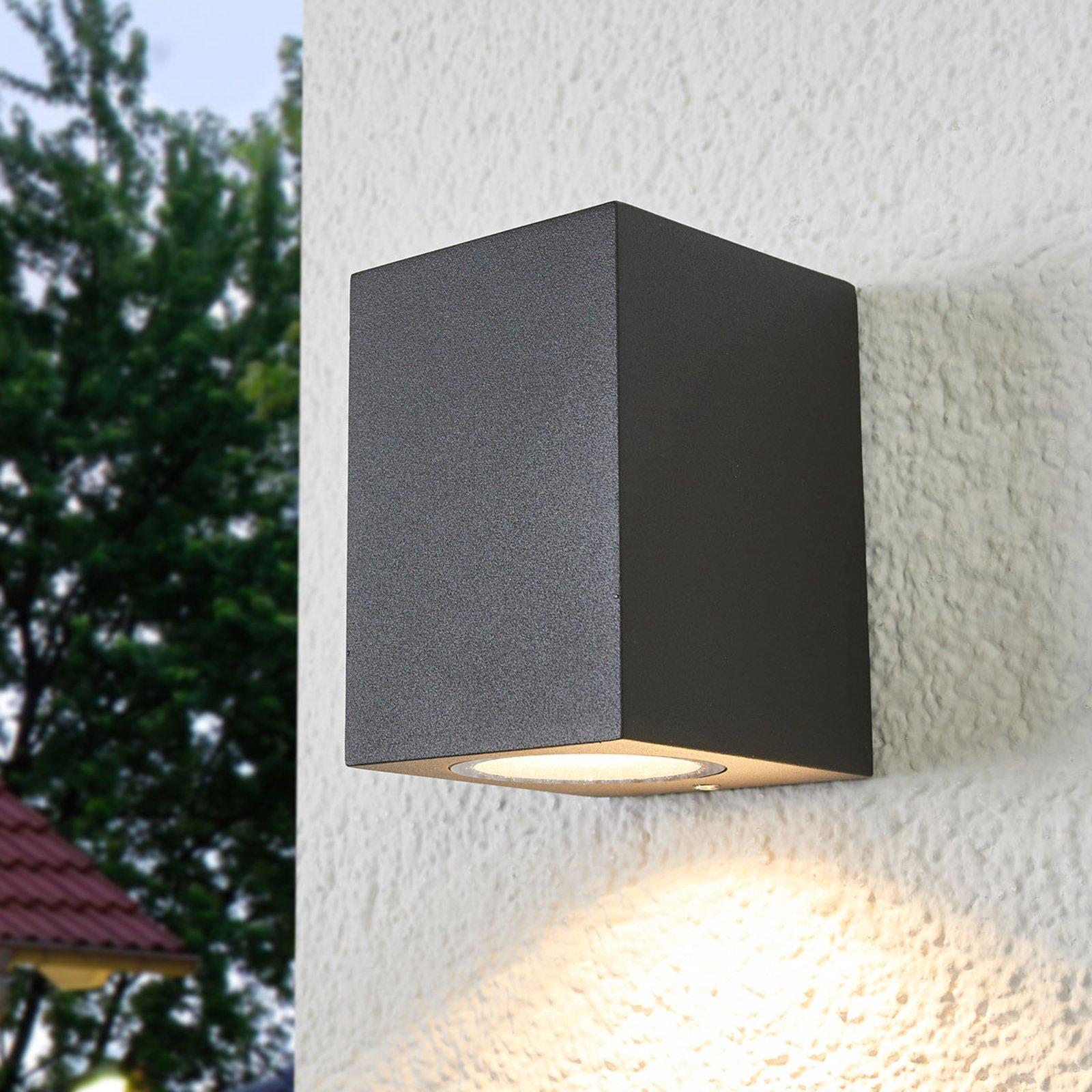 Utendørs vegglampe Xava med nedadrettet lys