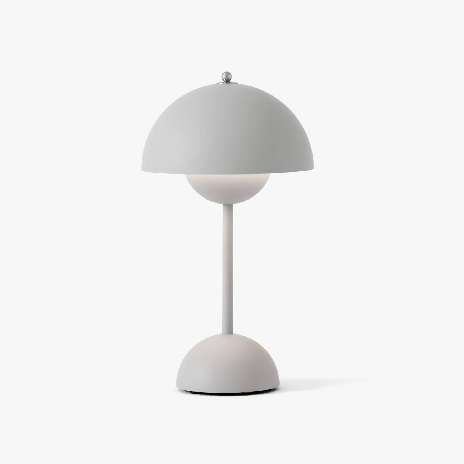 &Tradition Flowerpot VP9 -pöytälamppu, mattaharmaa