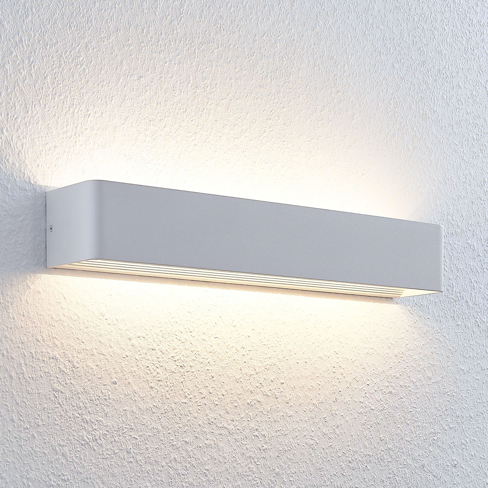 Mukava valaistus Lonisa LED-seinävalaisimella