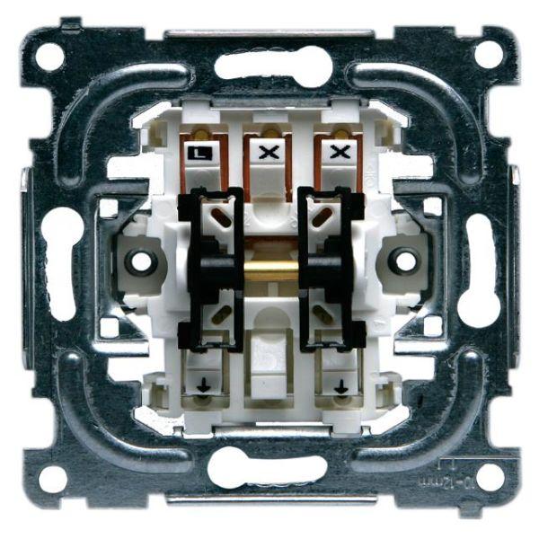 ABB 1062.21 Kytkinrunko 16 A, ilman kiinnityskynsiä 2-napainen