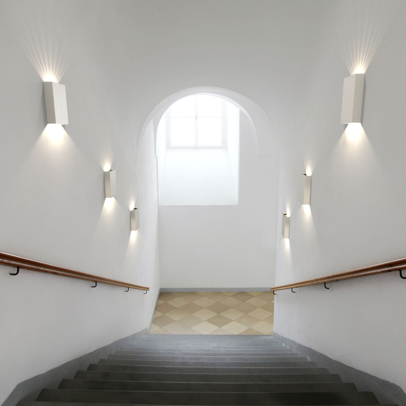 LED-ulkoseinälamppu Fold, 15 x 21 cm, valkoinen