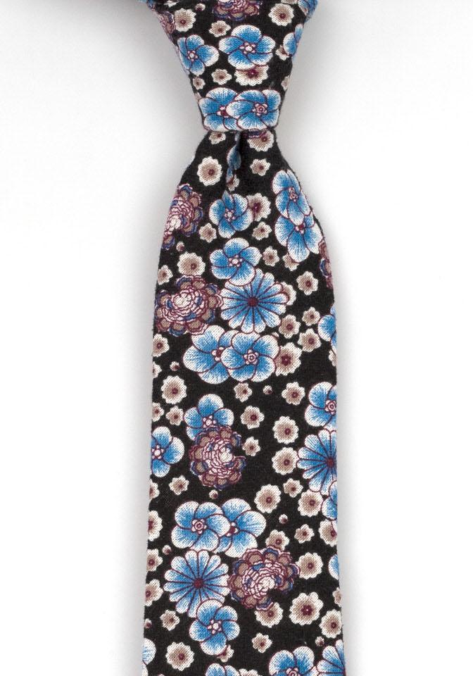 Bomull Slips, Blå og lilla blomster mot svart bakgrunn, Svart, Blomstertrykk