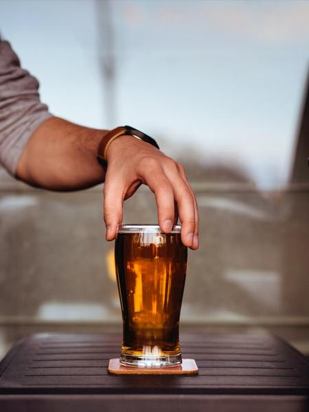 Gift it: The History of London in 4 Drinks