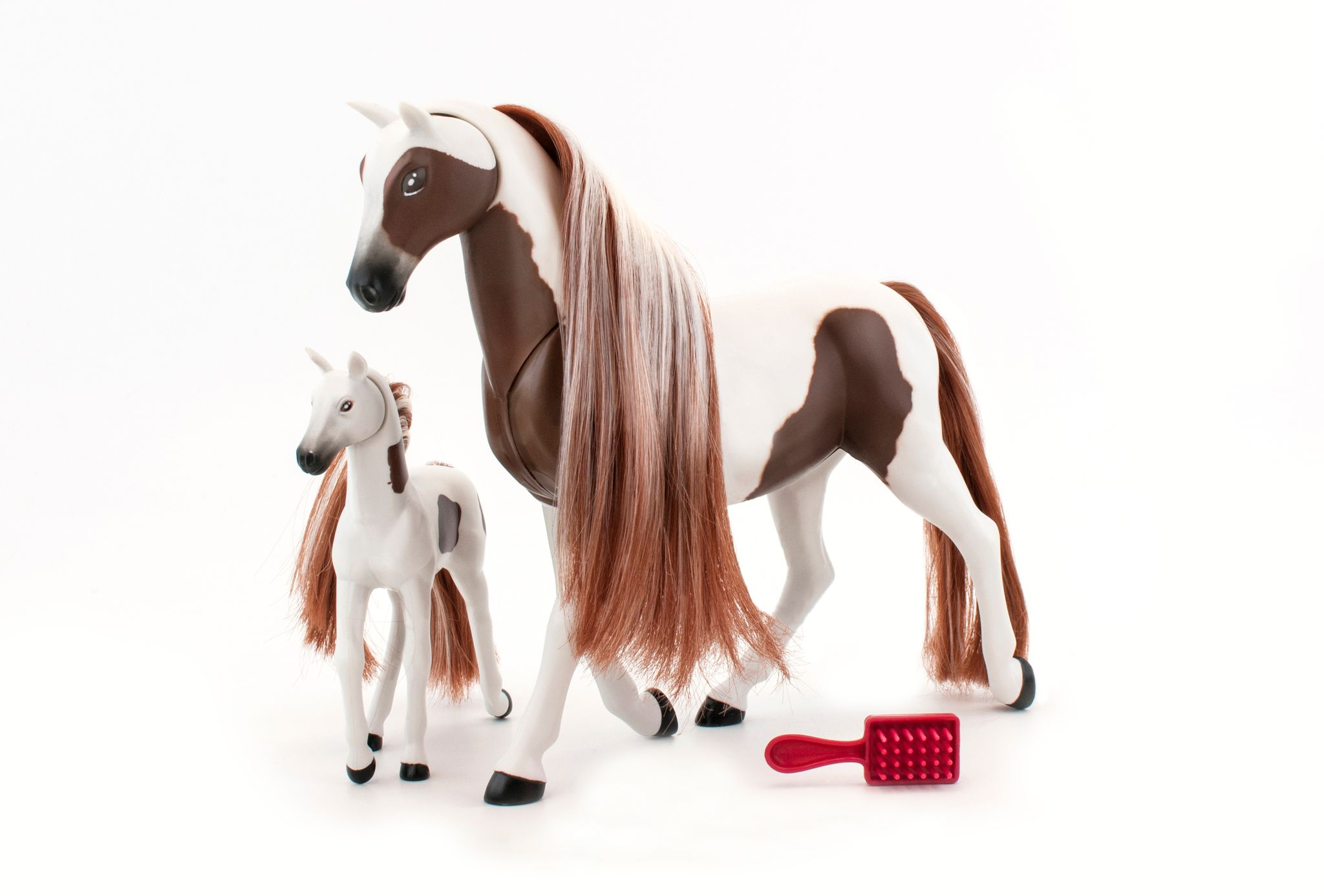 Royal Breeds - Kiss 'n Nuzzle - Pinto and Paint Horse (85004B)
