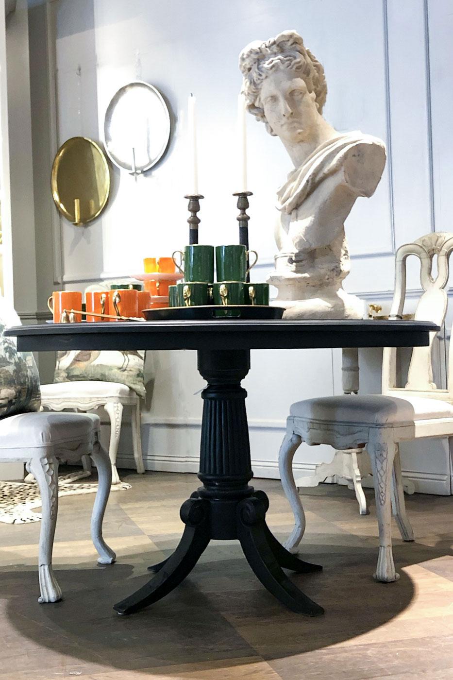 Matbord Oscar 120 cm svart