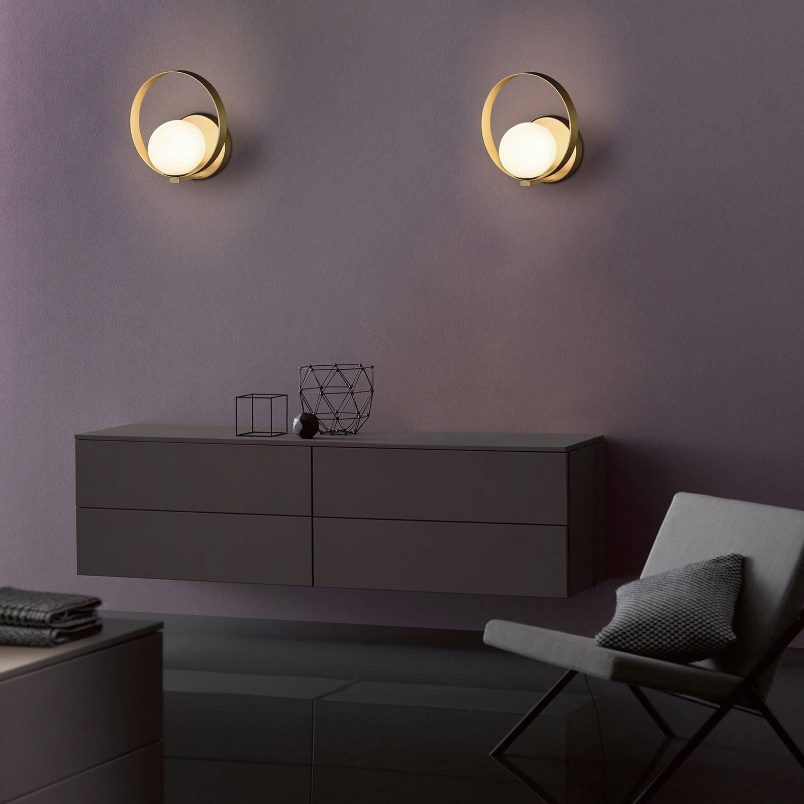 LED-vegglampe Halo, gull og opal