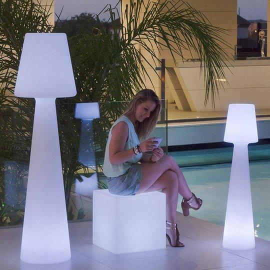 Newgarden Lola gulvlampe høyde 165 cm dagslys