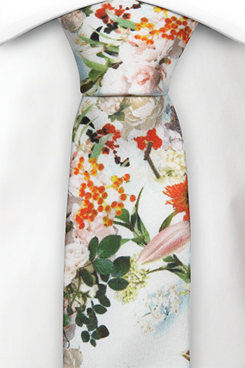Silke Smale Slips, Orange, røde og blekrosa blomster på hvitt, Hvit, Blomstrete