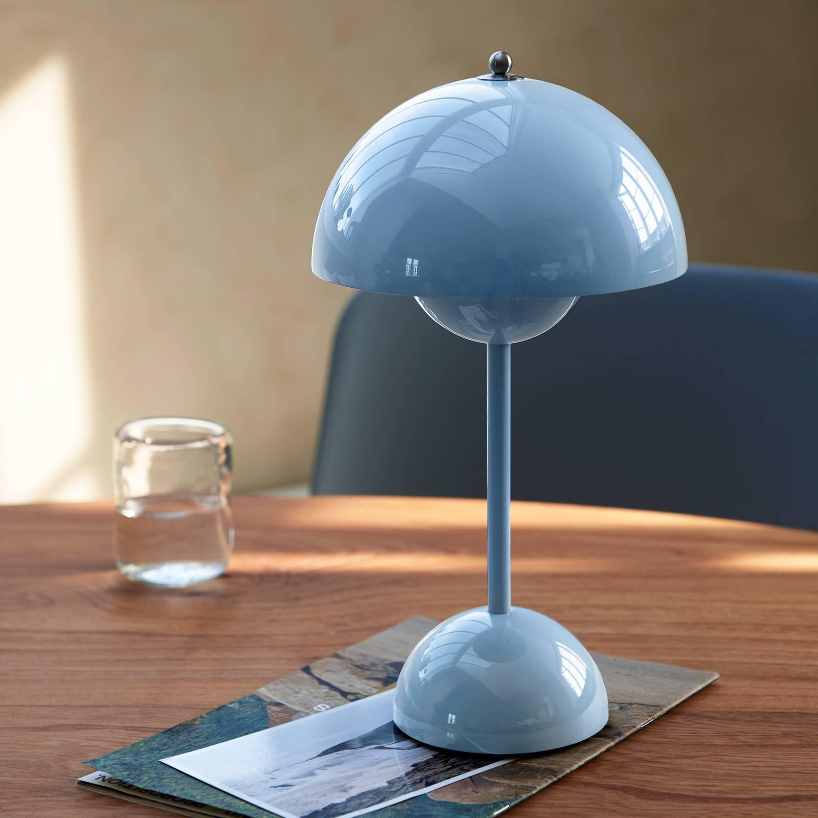 &Tradition Flowerpot VP9 -pöytälamppu, sininen