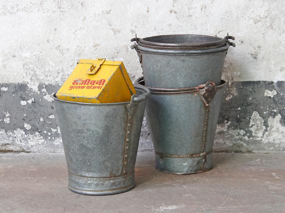 Vintage Metal Bucket - Small Small